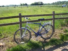 Hybrid tour bike